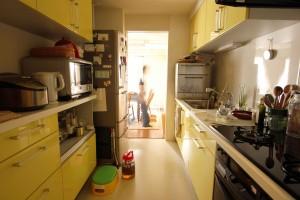台所撮影。この人の使う台所雑貨がかわいく便利そうて欲しくなった。